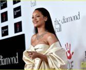 """Rihanna eleita a """"Humanitária do Ano"""" pela Universidade Harvard"""