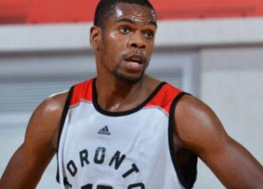 """Yanick Moreira realiza """"sonho angolano"""" da NBA nos Toronto Raptors"""