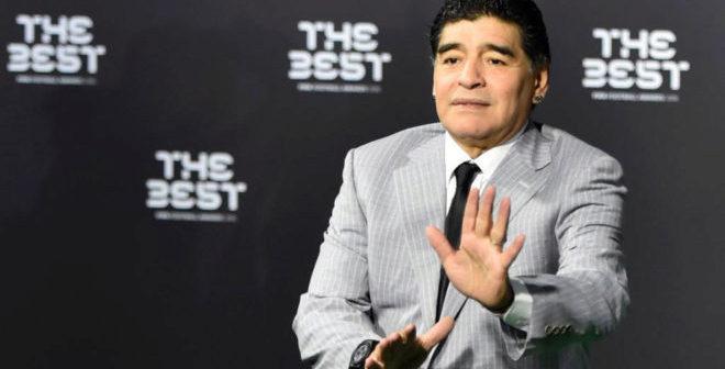 """Maradona: """"Estou desiludido com Messi, se estivesse cá, podia lutar, de casa pela TV não pode lutar por nada"""""""