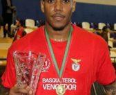 """Carlos Morais """"brilha"""" em partida e Benfica vence Taça Hugo dos Santos"""