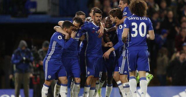 Chelsea goleia Southampton e fica mais próximo do título