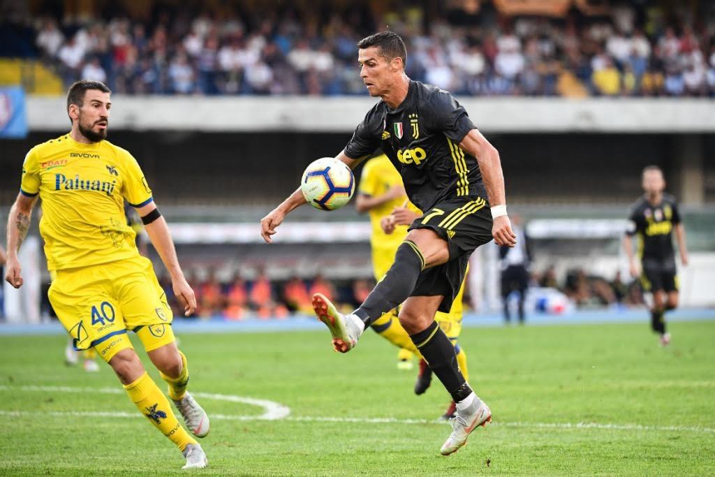 403565f9b7 Cristiano Ronaldo não marca mas Juventus vence em jogo dramático ...