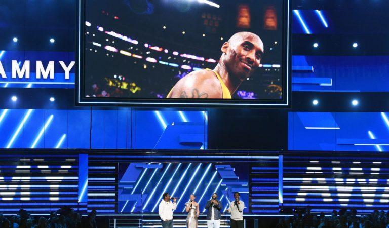 Grammy parou para homenagear Kobe Bryant
