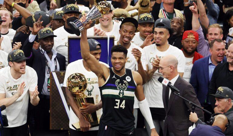 Milwaukee Bucks sagraram-se campeões da NBA 50 anos depois da primeira conquista